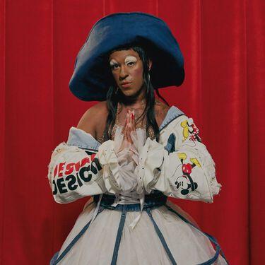 Relanzamos 'La 86' jacket con la artista Mykki Blanco a través de una oda al cambio