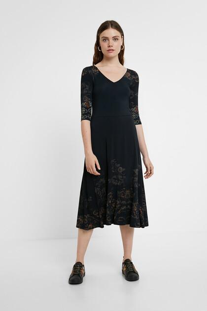 Blumiges Midi-Kleid
