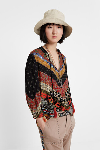Viscose boho blouse with ties at the V-neck