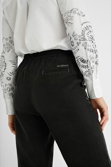 100% Lyocell jogger trousers | Desigual