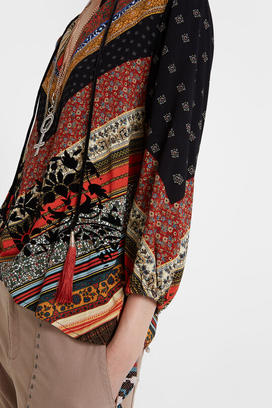 Viscose boho blouse with ties at the V-neck   Desigual
