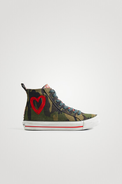 High-top sneakers embroidered