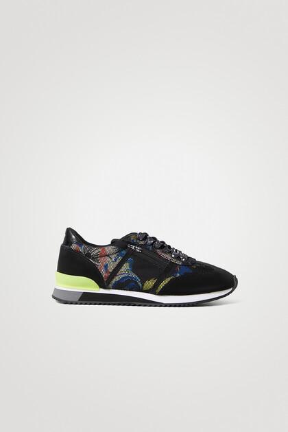 Retro runner sneakers print