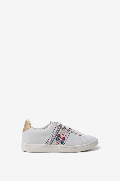 Exotic embroidery sneaker