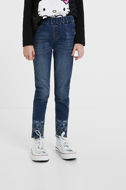 Pantalon slim en jean exotique