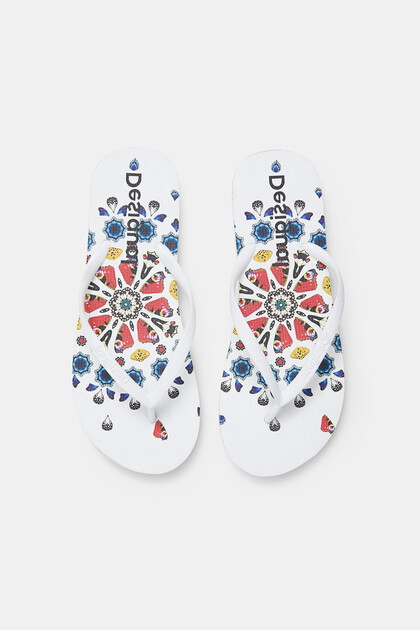 Beach sandals printed sole