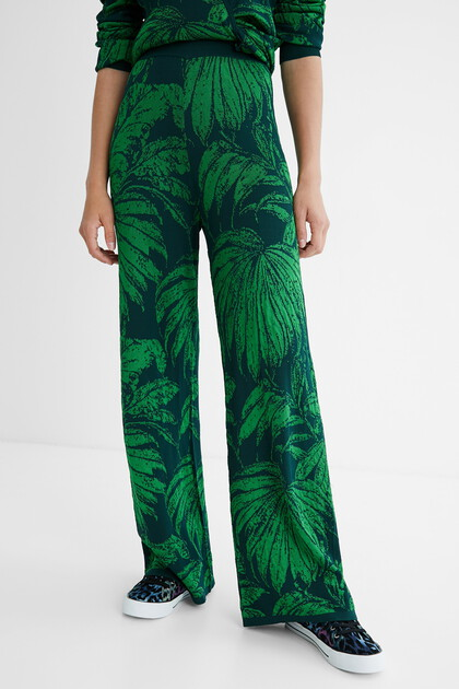 Straight cropped ankle grazer trousers
