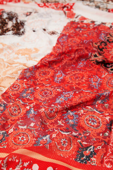 Fulard rectangular indonesi | Desigual