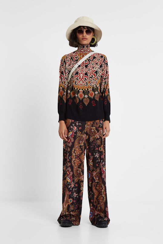 Viscose blouse with high neck and stretch cuffs | Desigual