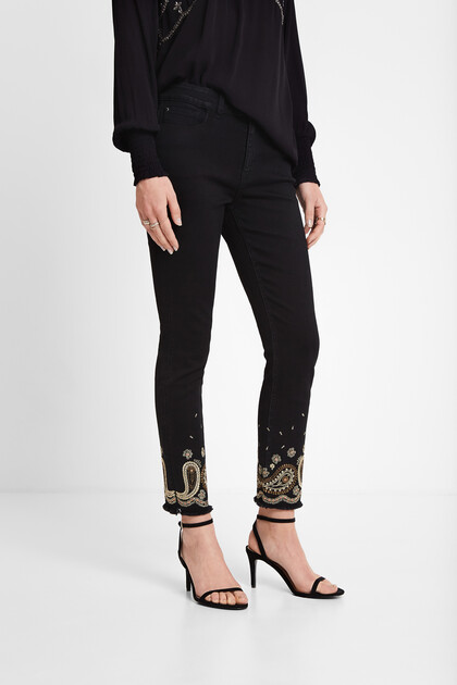 Skinny jeans met paisley-borduursel