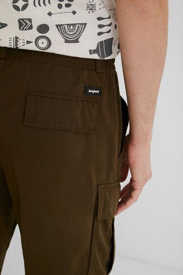 Pantalons cargo fins al turmell | Desigual