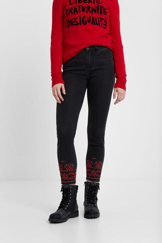 Pantalons denim brodat al turmell | Desigual