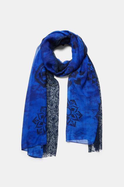 Sjaal met kant en mandala's