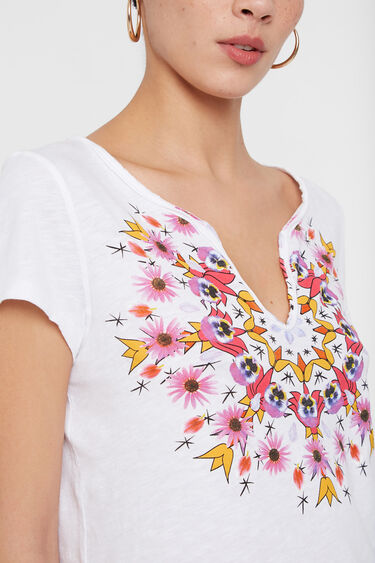 Low neckline with mandala | Desigual