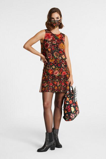 Falbaniasta sukienka w kwiaty