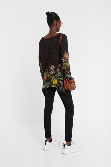Floral sweatshirt with embroideries | Desigual