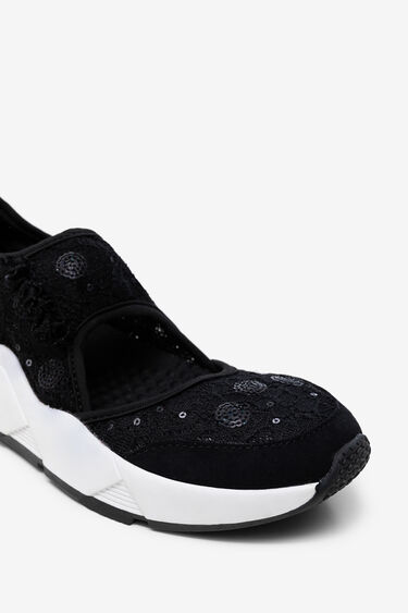 Sneakers of mesh and lace with sequins | Desigual