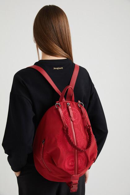 Plecak z nylonu z haftem w mandale