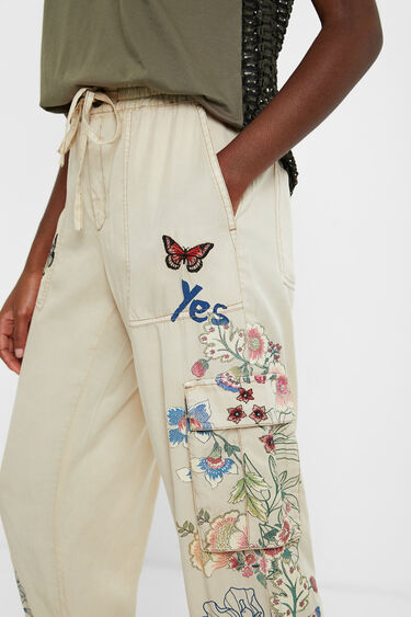 Pantalons jogger florals butxaques | Desigual