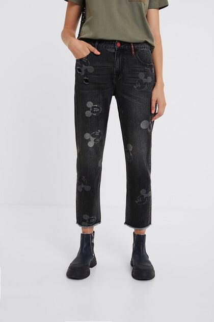 Boyfriend jeans met Mickey Mouse