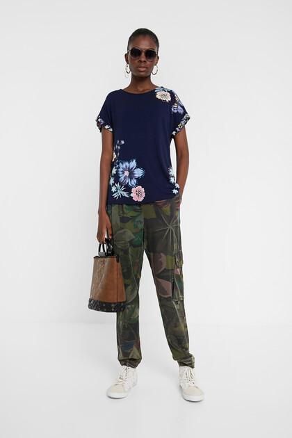 Short sleeve flounced T-shirt