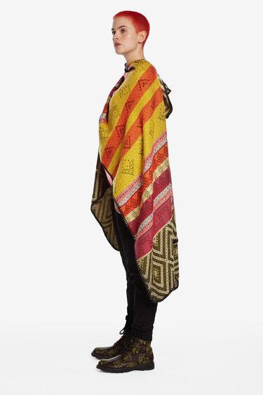 Ethnic square poncho | Desigual