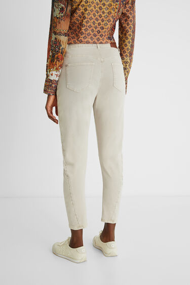 Slim cropped trousers flowers | Desigual