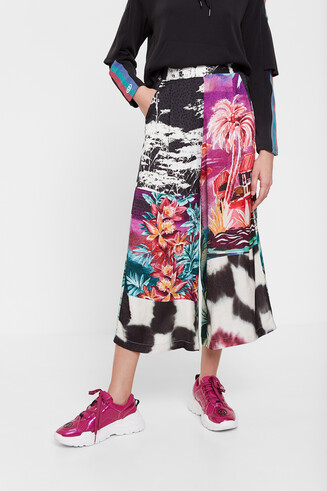 Culottes of oriental floral inspiration