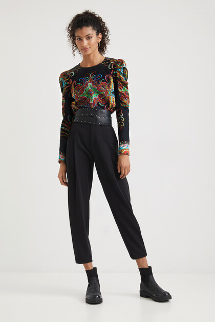 Blouse puffed sleeves