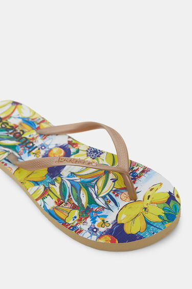 Golden bathing flip-flops printed sole | Desigual