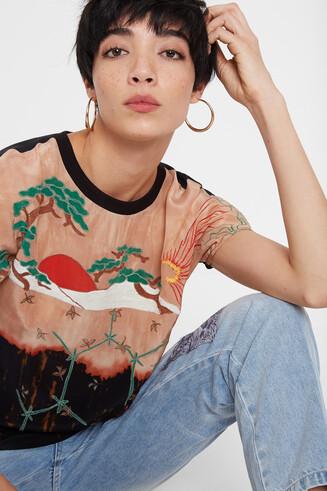 Short sleeve Japanese style blouse