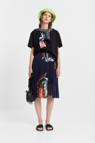 Pleated arty skirt
