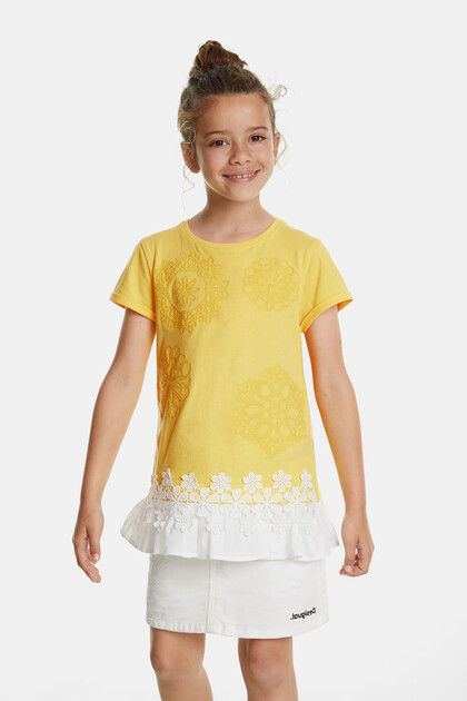 T-shirt with mandalas and skirt with lace