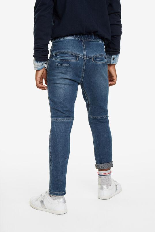 Jeans mit Patches | Desigual