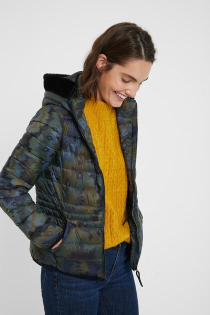Jaqueta curta enconxada slim