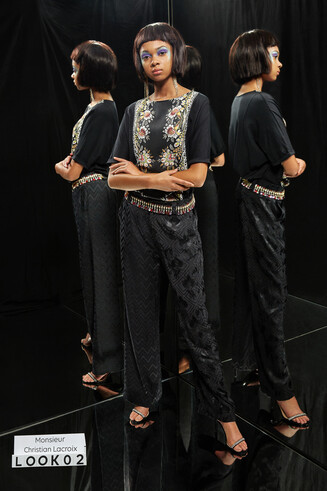 T-shirt van katoen en modal met bloemenstrook Designed by M. Christian Lacroix