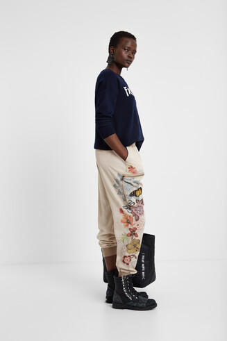 Athleisure cargo trousers