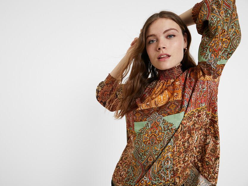 Bluse mit marokkanischem Aufdruck und Lurex