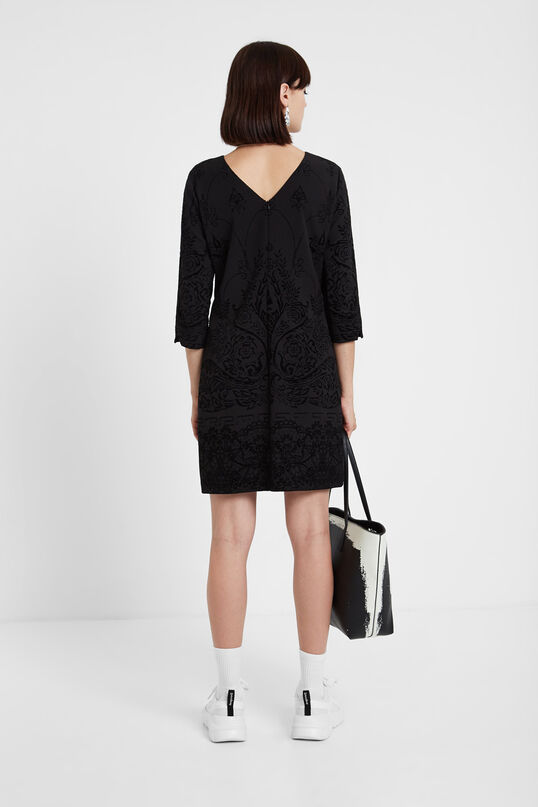 Kleid mit Dreiviertelärmeln Slim Cut | Desigual