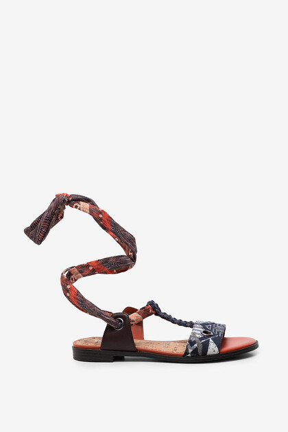 Ethnic sandals with ribbon