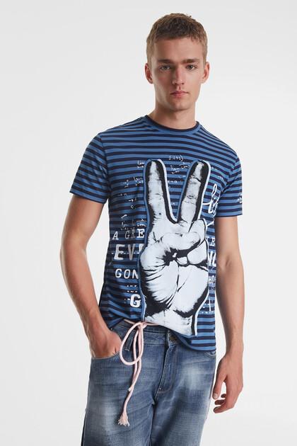 Camiseta a rayas con ilustración y mensajes