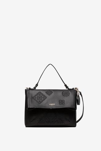 Tasche mit aufgeprägten Mandalas und Verschlussklappe