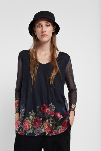 Flounced T-shirt flowers