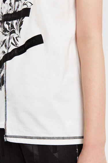 T-shirt with floral design and patch | Desigual