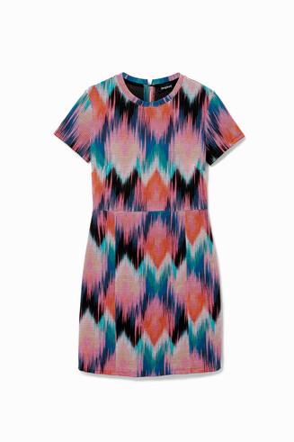 Arty Kleid mit psychedelischen Rhomben