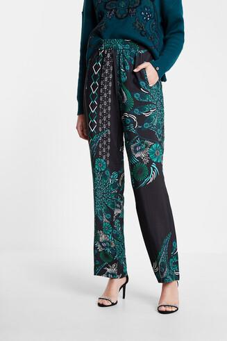 Flowing trousers mandalas print