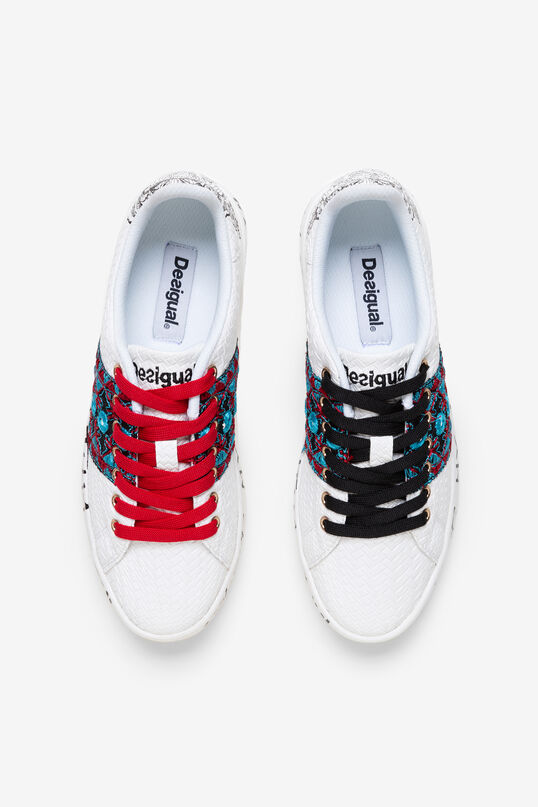 Sneakers with lettering and illustration | Desigual