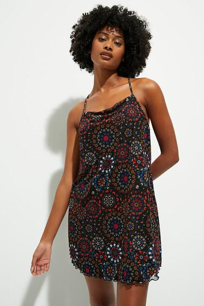 Korte jurk met schouderbandjes