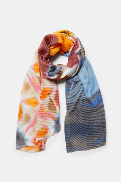 Rectangular pleated foulard