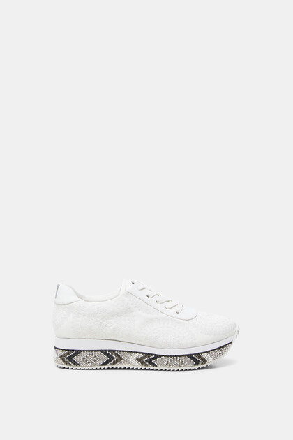 Sneakers platform sole beads